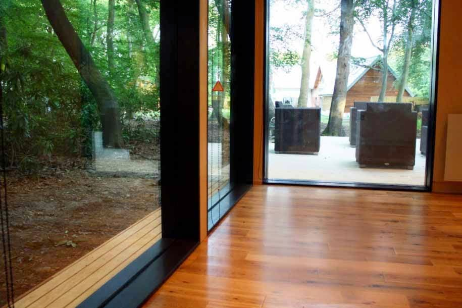 gaya lantai kayu