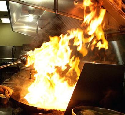 Patrulla radial olvidaron encendida una hornalla y prendi fuego la cocina de una casa - Cocina de fuego ...