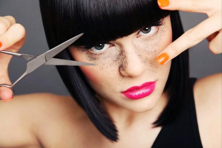 """Jessie J faz cover de seu novo single """"Bang Bang"""""""