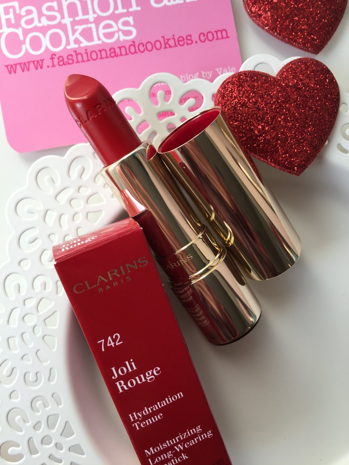 Clarins Joli Rouge lipstick joli rouge red n. 742 review on Fashion and Cookies beauty blog, beauty blogger from Italy