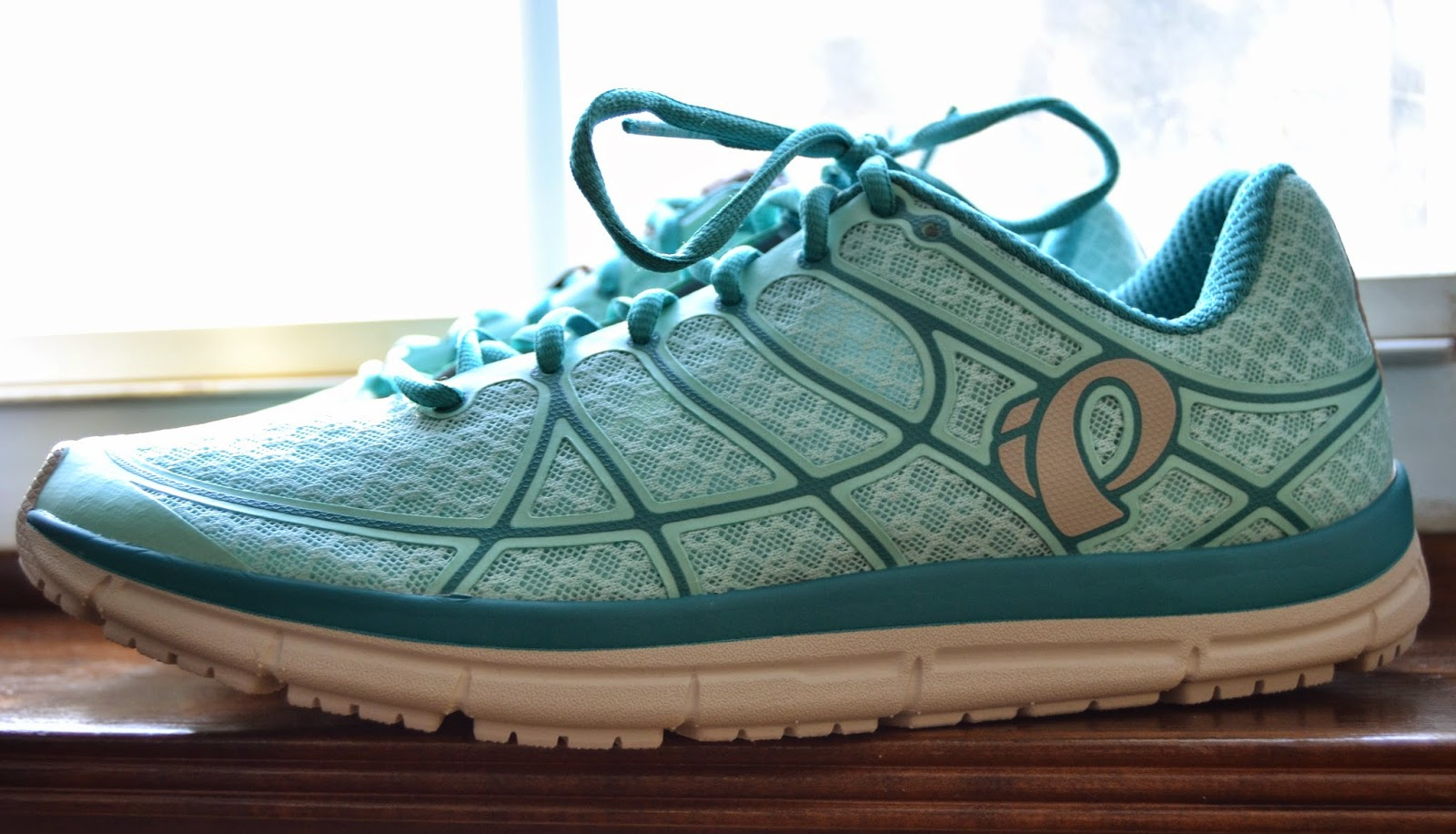 Pearl Izumi E:Motion road shoe