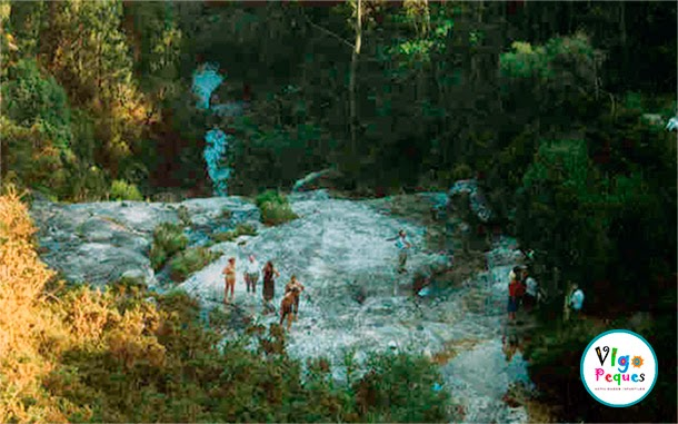 Las 5 piscinas naturales para perderse en galicia vigopeques for Piscinas naturales cerca de toledo