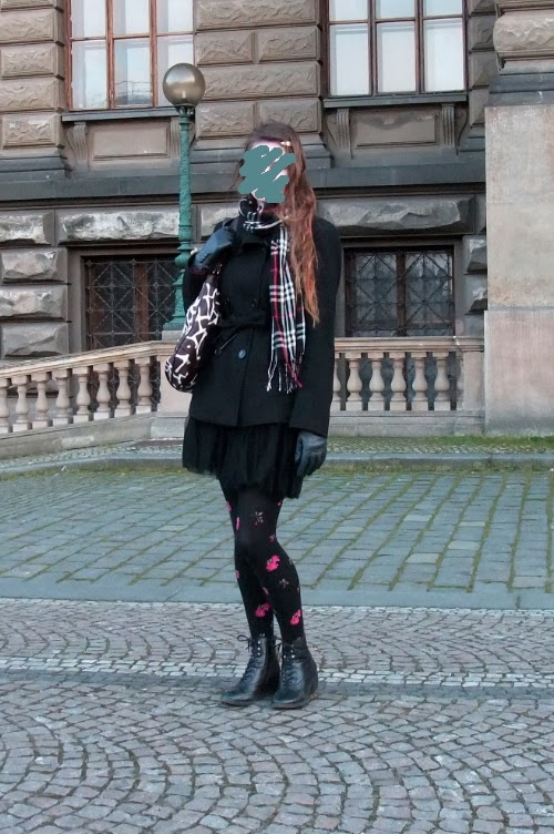 giraffe bag outfit leather tulle skirt rose