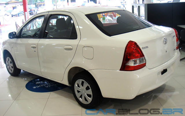 carro Etios sedan Toyota