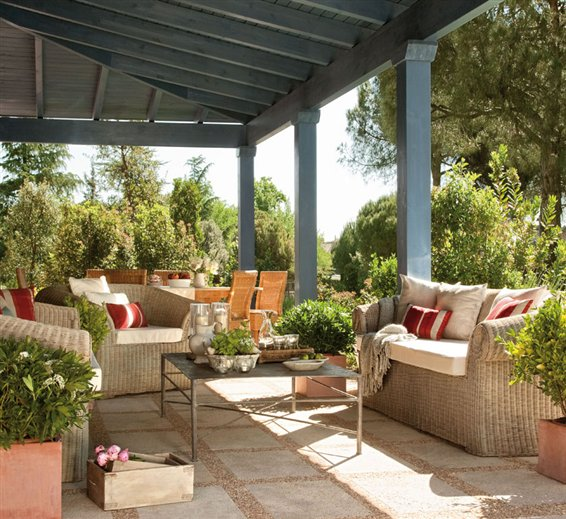 A country dreaming mum toscana chic for Patios exteriores casas