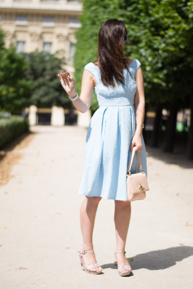 Womenswear fashion blogger