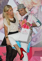 paris-hilton-shoe-collection-launches-400x600-2.jpg