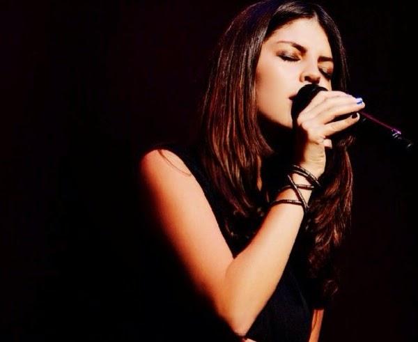 rebecca john chanteuse antillaise