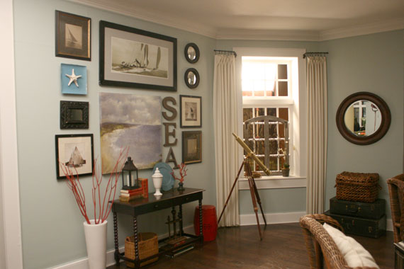 Take the side street a casual beachy living room - Beach themed living room ideas ...
