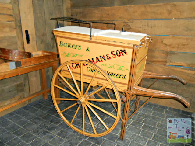 Museum of London - Bakers Cart