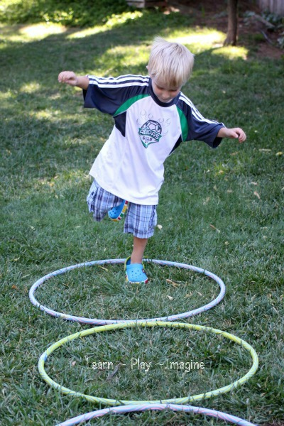 Gross motor activity hula hoop games learn play imagine for Gross motor activities for 1 year olds