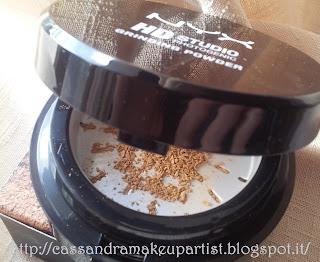 NYX - HD Studio Photogenic Grinding Powder - 04 True Beige - blogger tester kit -inci - ingredienti .- cipria - swatch - recensione - review - prezzo