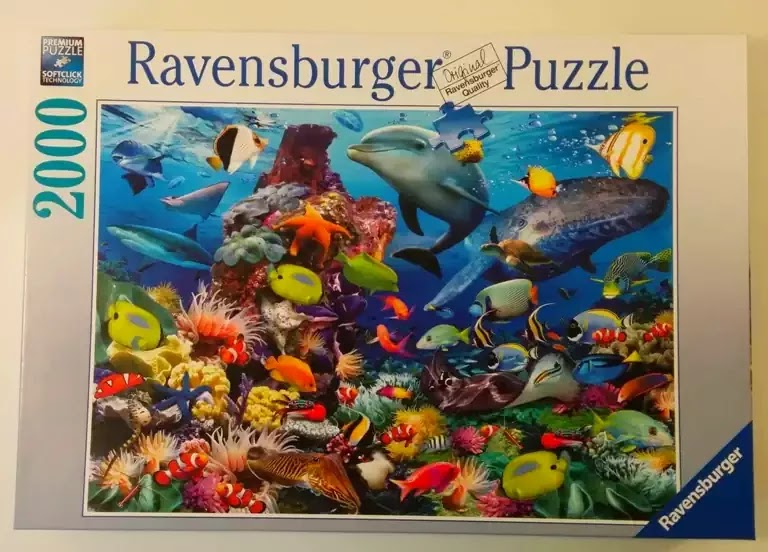 Ravensburger Underwater 2000 piece jigsaw puzzle box