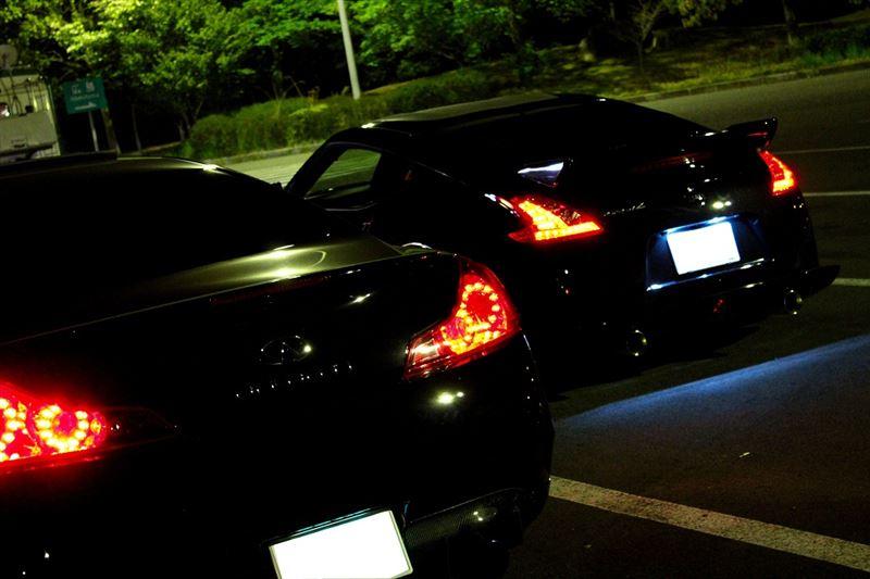 Infiniti G37 & Nissan Fairlady Z / 370Z (Z34), japoński sportowy samochód, motoryzacja, jdm, zdjęcia, fotki, photos, tuning, nocna fotografia, samochody nocą, po zmroku, auto