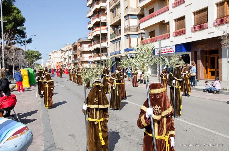 Los nazarenos de la Hermandad La Negación de San Pedro Domingo de Ramos 2014