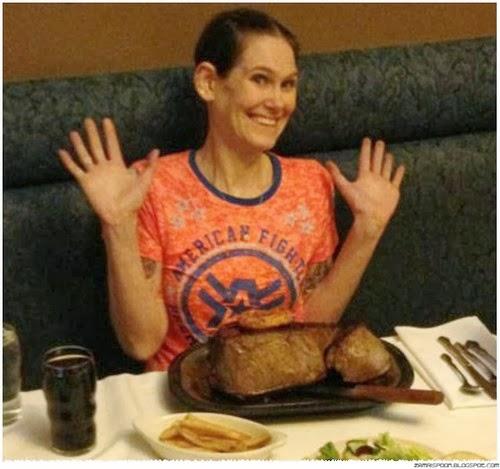 Wanita Bertubuh Lansing Ini Membaham 2kg Daging Steak