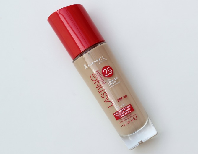 Rimmel Lasting Finish 25 hr foundation