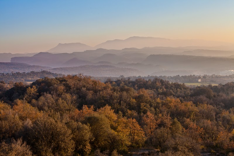 http://stock.davidfajula.com/media/94cb2bee-6045-11e3-89d7-535793129c70-montseny-mountain-range-at-sunset?hit_num=25&hits=30&page=2&per_page=24&search=montseny