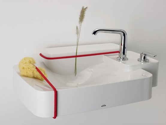 Accesorios De Baño Colocados:un baño bien complementado con accesorios adecuados