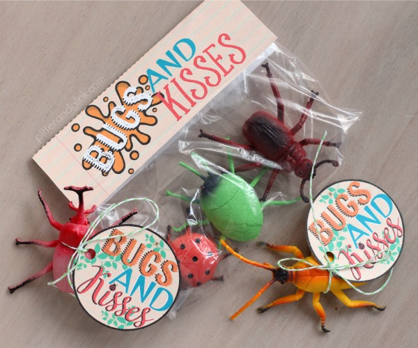 Free Bugs & Kisses Printable Valentine Gift Tags and Bag Toppers pitterandglink.com