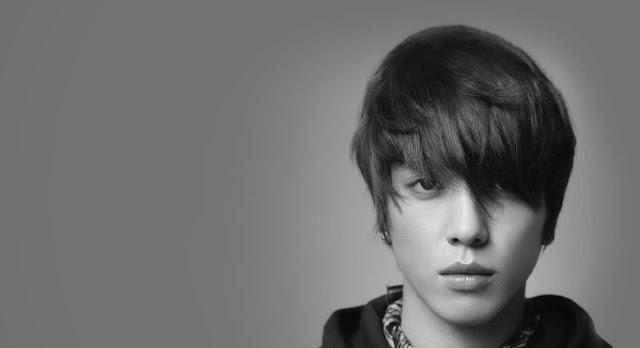 Foto Artis Pria Korea Jung Yong Hwa