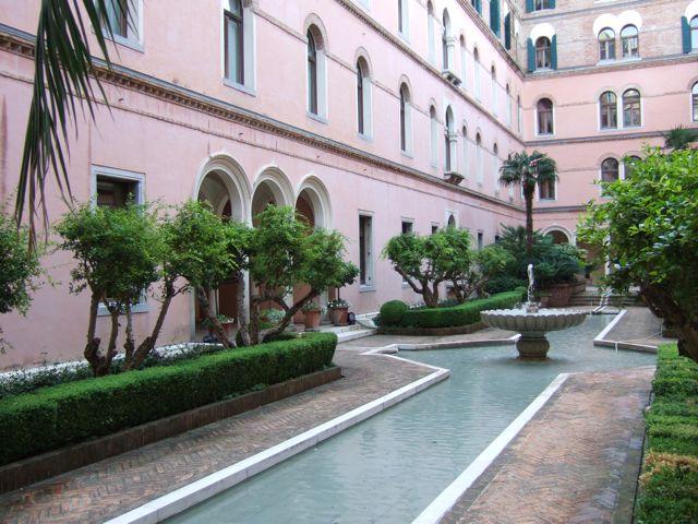 Venise c t jardin la 39 corte moresca 39 de l 39 h tel for Jardin hispano mauresque