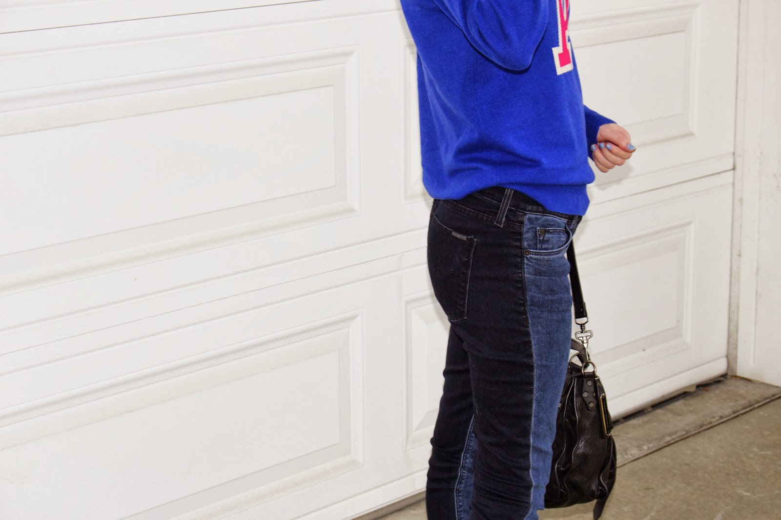 monogram sweater, letter sweater, hudson jeans, mirrored ray-bans, stuart weitzman zipit, ps1