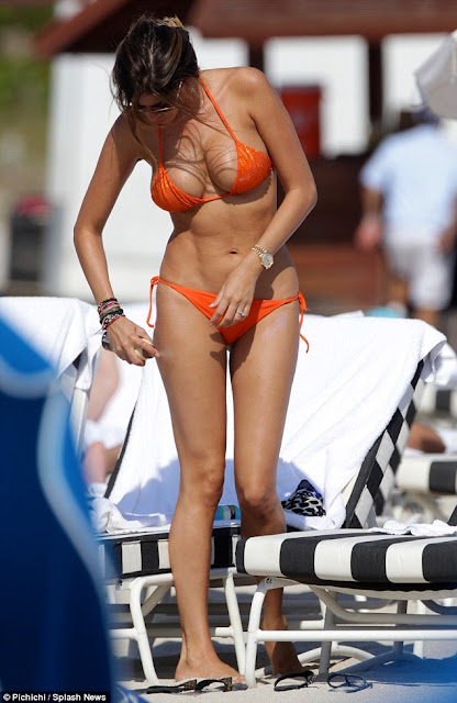 Aida Yespica impresionante en biquini