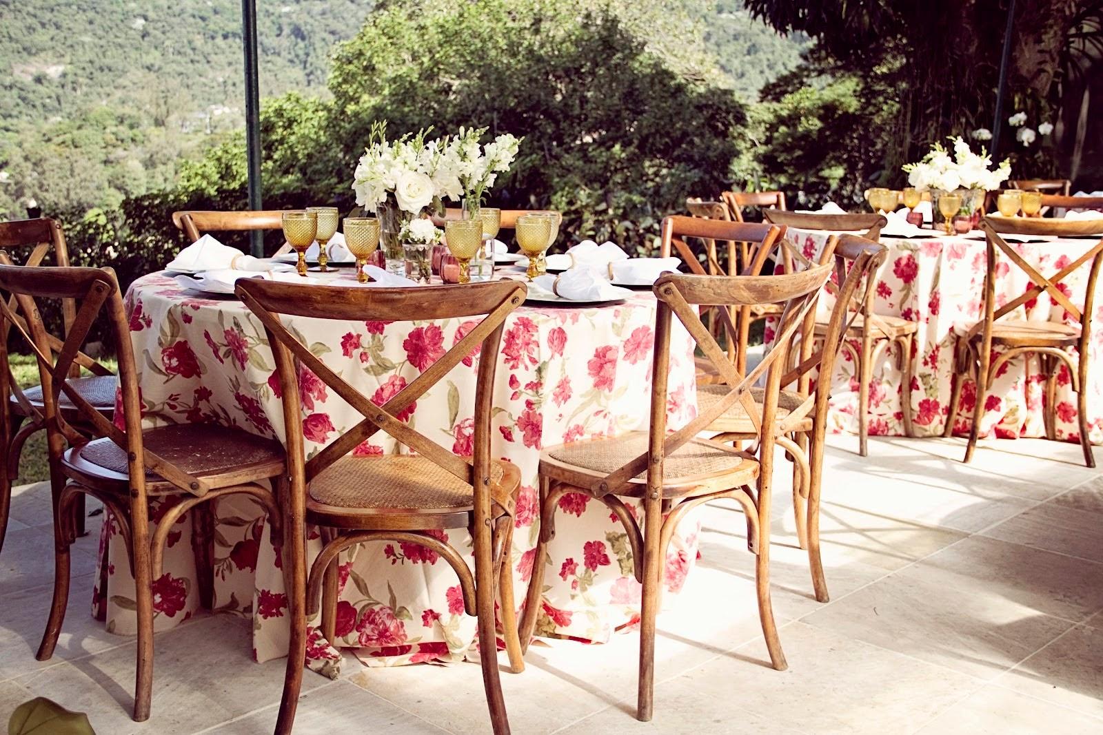 Resultado de imagem para volta das toalhas de mesa em casamentos