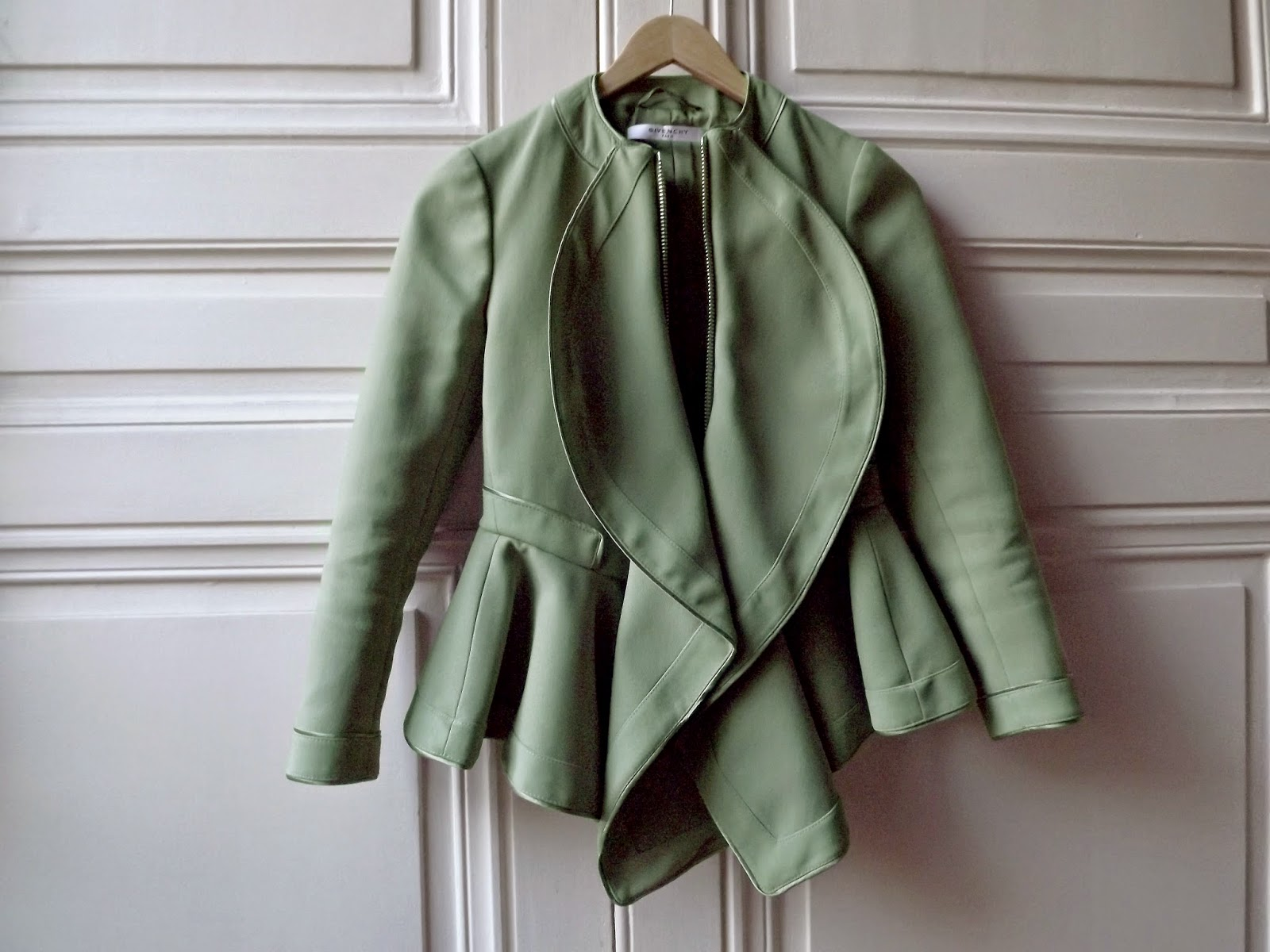 videdressing, pardonmyobsession, fashionblogger, chanel, céline, maison michel, parisienne, interview