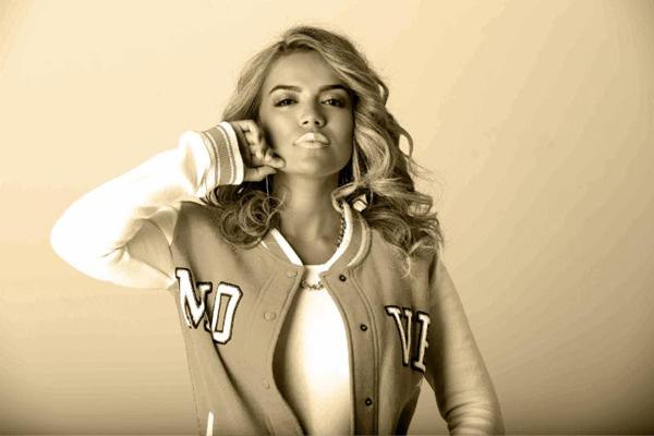 KAROL-G-cantautora-enero-urbano-revoluciona-sensual-estilo
