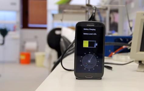 Recarregando a bateria do seu smartphone em apenas 30 segundos