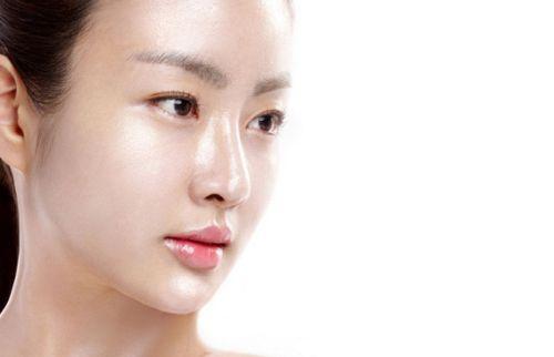 cara menghilangkan minyak di wajah secara alami
