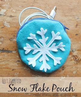 snow+flake+pouch+1.jpg