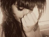 ``No llores que secarse las lagrimas no suprime dolores.´´