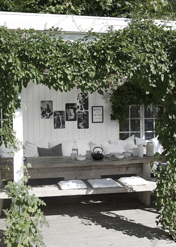 Outdoor Patio Living Rooms