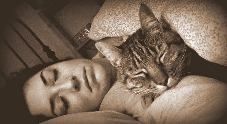 noi due dormiamo così