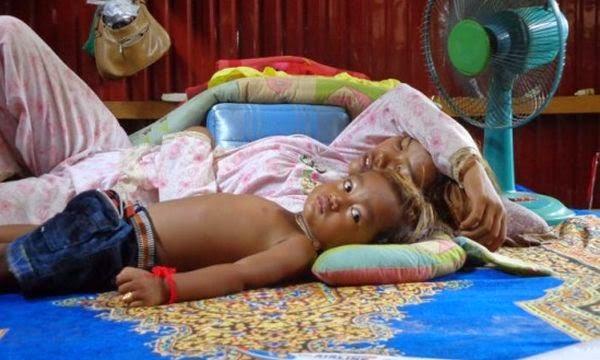 Ajaib…Bocah dari Kamboja Ini Mampu Sembuhkan Ratusan Orang Ajaib...Bocah%2Bdari%2BKamboja%2BIni%2BMampu%2BSembuhkan%2BRatusan%2BOrang