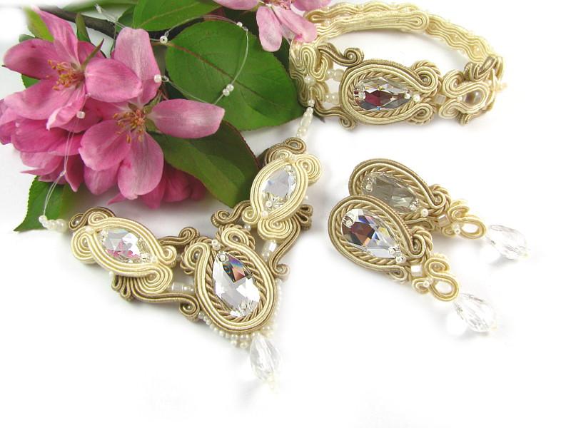Beżowa biżuteria ślubna sutasz