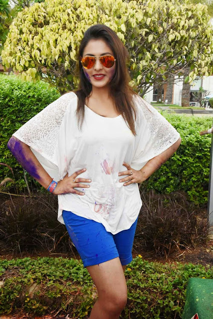Madhu Shalini  Holi Celebrations Pictures 4.jpg