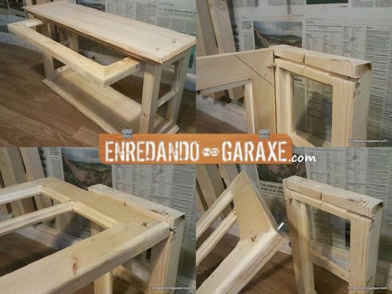 Con unos pequeños pins deslizamos la puerta en las ranuras escondiendola en el interior del mueble. Enredandonogaraxe.com