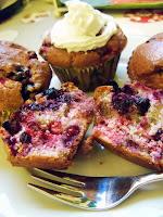 Rezept: Luftige Low Carb Beeren Muffins / Recipe: Fluffy Low Carb Berry Muffins | http://panpancrafts.blogspot.de/
