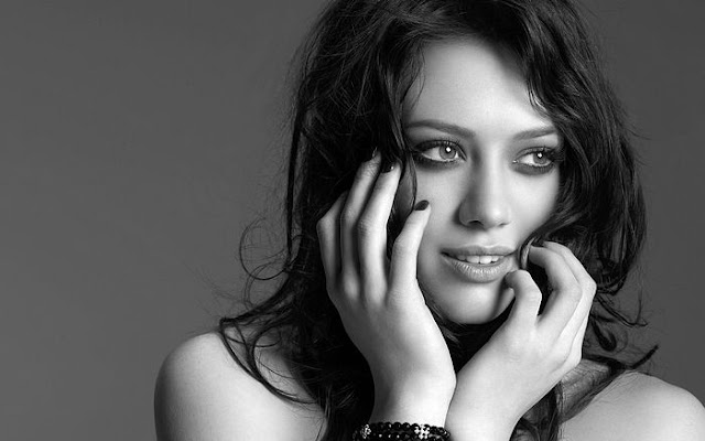 Hilary Duff Biography and Photos