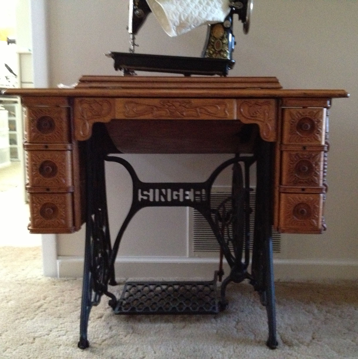 So, I was inspired to get my sewing machine collection out of storage,  clean them up a bit and to see if they still sew. My favorite is the  'Singer Red Eye' ... - Shenandoah Valley Quilter: My Vintage Sewing Machine Collection