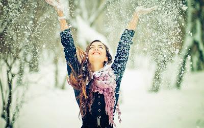 Картинки с девушками на аву зима