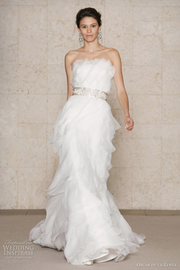 Dream wedding place amazing wedding dresses oscar de la for Silk organza wedding dress