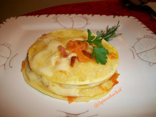 Lasagne tonde zucca, provola e speck