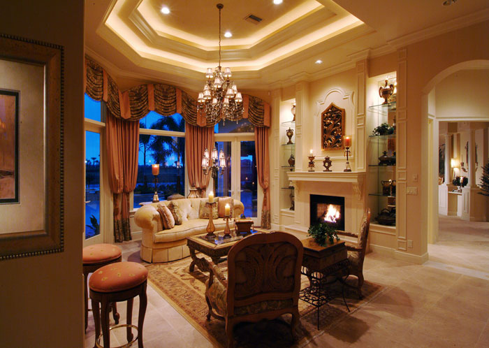 5 luxurious tray ceiling designs with large chandelier for Living room chandelier