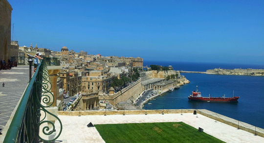 valletta harbour malta travel guide