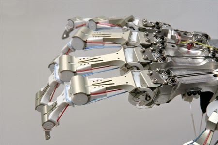 http://www.geekproject.com.br/2011/01/braco-de-exterminador-proximo-da-realidade/